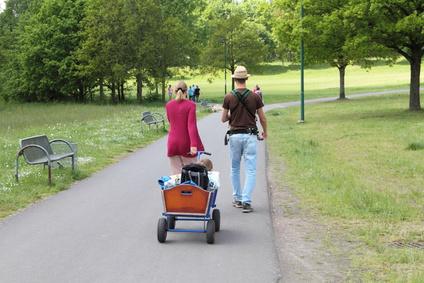Eltern auf dem Spielplatz