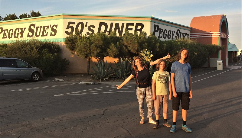 USA Roadtrip Tag 9: Kings Canyon. Barstow. Peggy Sue's 50's Diner